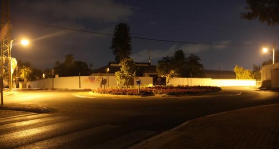 הככר והפניות לרחוב השדרה ולאילנות- בלילה. צילום: יגאל שרגיאן