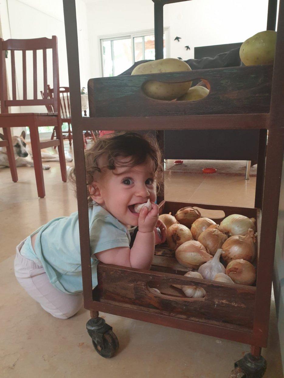 גפן עקירב נולדה לדפנה ותומר ביום 10.10.2019